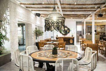 Prince Restaurant, Lounge Bar on Kamari, Santorini